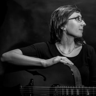 Mary Halvorson (2016) in Jimmy Glass Jazz Club. Valencia.