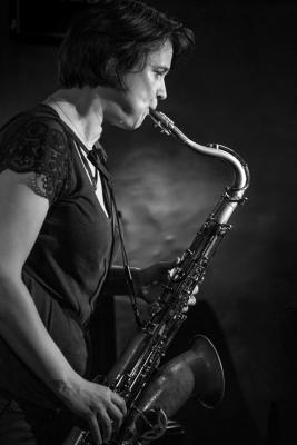 Ingrid Laubrock (2016) in Jimmy Glass Jazz Club. Valencia.