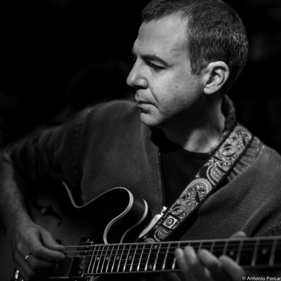 Israel Sandoval (2014) en el Jimmy Glass Jazz Club. Valencia.