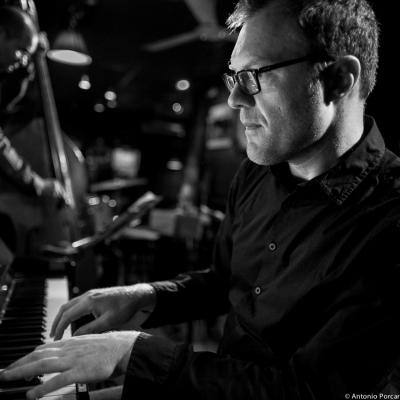 Cédric Hanriot (2015) in Jimmy Glass Jazz Club. Valencia.