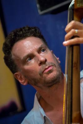 Larry Grenadier (2016) in Jimmy Glass Jazz Club. Valencia.