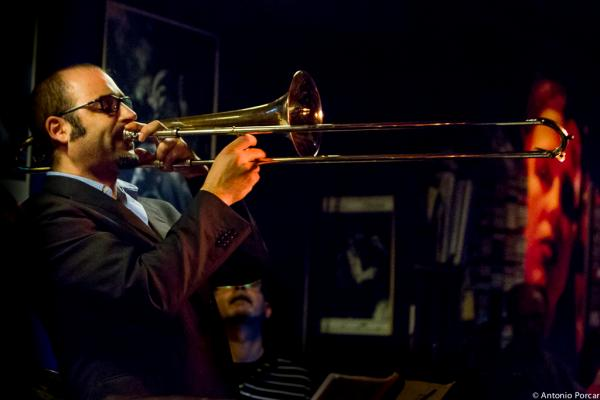 Toni Belenguer (2015) en Jimmy Glass Jazz Club. Valencia
