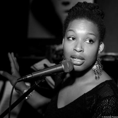 Erin Corine Johnson (2015) in Jimmy Glass Jazz Club. Valencia