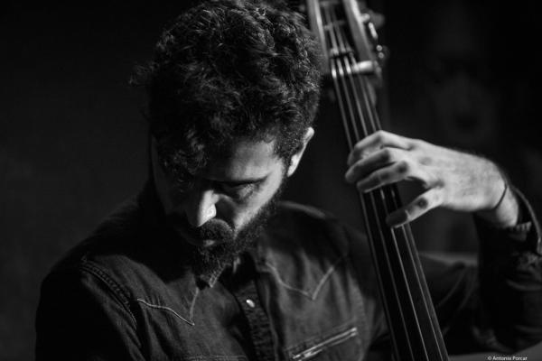 Petros Klampanis (2016) in Jimmy Glass Jazz Club. Valencia.