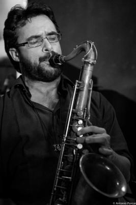 Lluc Casares (2015) en Jimmy Glass Jazz Club. Valencia