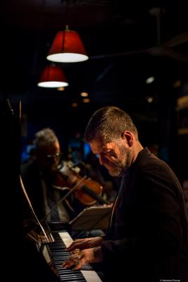 Lucian Ban (2017) in Jimmy Glass Jazz Club. Valencia