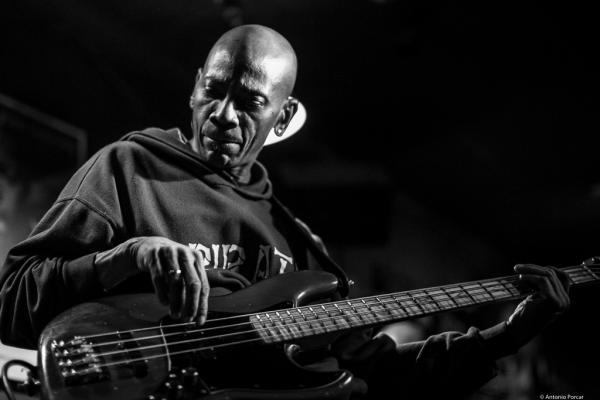Reggie Washington (2017) in Jimmy Glass Jazz Club. Valencia.