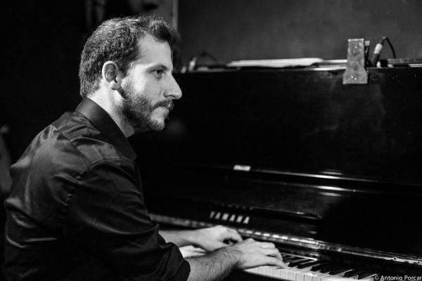 Palau, Alberto (2015) en el Jimmy Glass Jazz Club. Valencia.