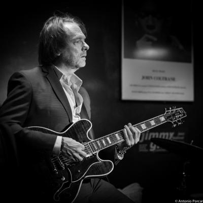 Randy Johnston 2014  in Jimmy Glass Jazz Bar