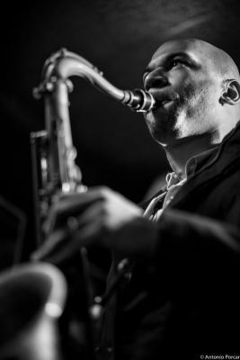 Walter Smith III (2015) in Jimmy Glass Jazz Club. Valencia