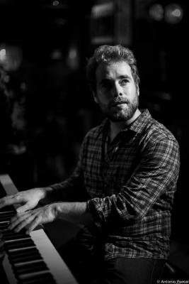 Etienne Deconfin (2014) en Jimmy Glass Jazz Club. Valencia.