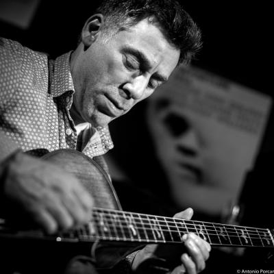 Peter Bernstein (2016). The Rossy Vibes Quintet in Jimmy Glass Jazz Club.