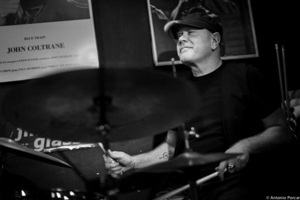 Roberto Gatto (2014) en Jimmy Glass Jazz Club. Valencia