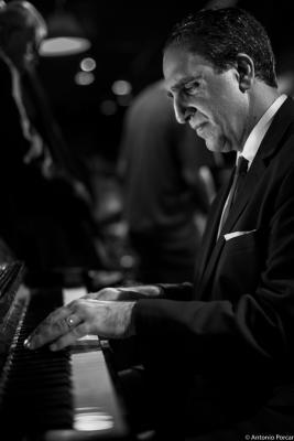 Michael Kanan (2015) in Jimmy Glass Jazz Club. Valencia.