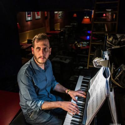 Alberto Palau (2019) in Jimmy Glass Jazz Club. Valencia.
