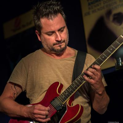 Andre Fernandes (2018) at Jimmy Glass Jazz Club. Valencia.