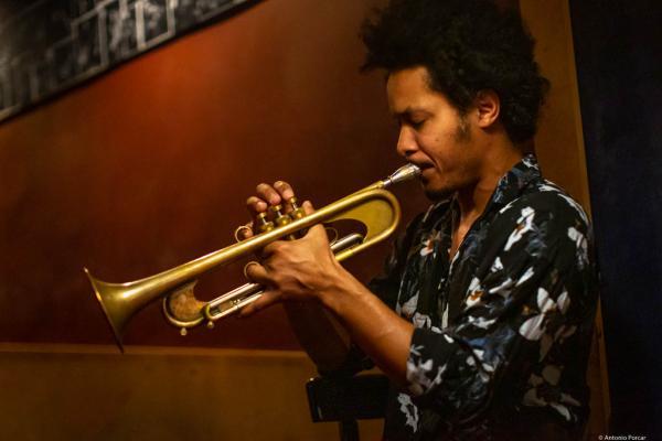 Carlos Sarduy (2020) at Jimmy Glass Jazz Club. Valencia.
