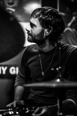 Dan Weiss (2018) at Jimmy Glass Jazz Bar. Valencia.