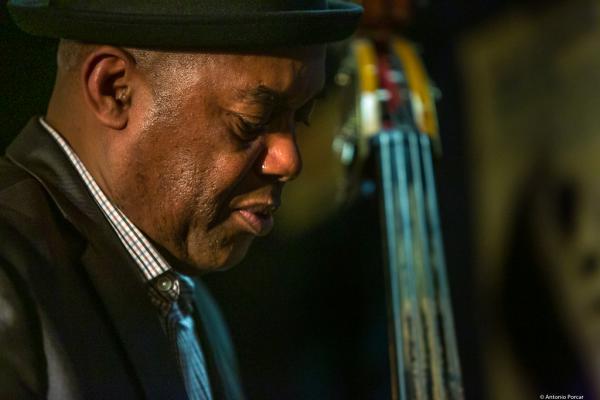 Essiet Okon Essiet (2019) at Jimmy Glass Jazz Club. Valencia.