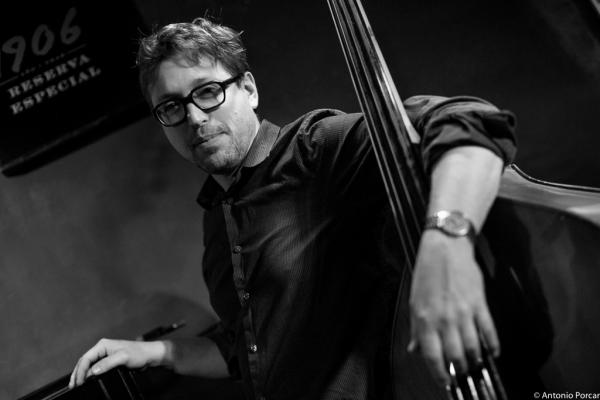Josh Ginsburg (2015) in Jimmy Glass Jazz Club. Valencia.