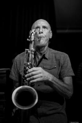 Joshua Charles Harris (2017) at Café Mercedes Jazz Club. Valencia
