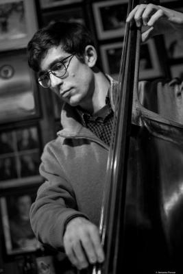 Luca Rosenfeld (2017) at Arturo's Coal Oven. NYC.