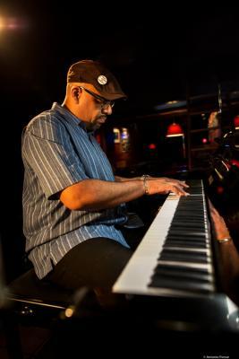 Luis Perdomo (2019) at Jimmy Glass Jazz Club. Valencia.