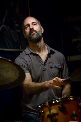 Mark Ferber (2017) at Jimmy Glass Jazz Club. Valencia.