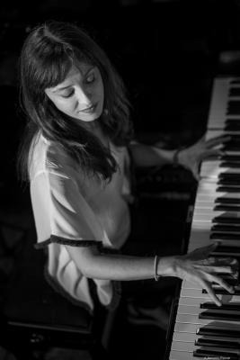Marta Sánchez (2016) in Jimmy Glass Jazz Club. Valencia
