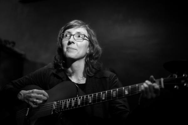 Mary Halvorson (2016) in Jimmy Glass Jazz Club. Valencia.