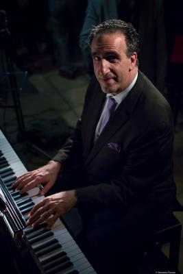 Michael Kanan (2017) at Jimmy Glass Jazz Club. Valencia.