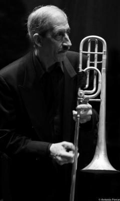 Mosca, John (2009)