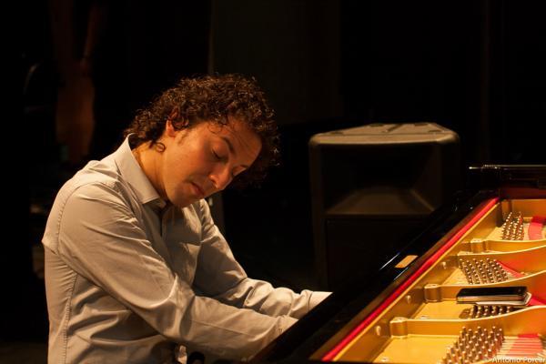 Nieto, Gerard (2010)