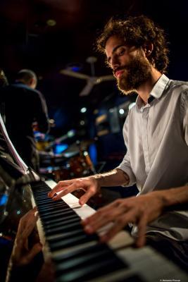 Nitai Hershkovits (2017) at Jimmy Glass Jazz Club. Valencia