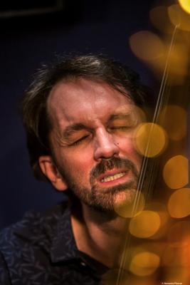 Pablo Martín Caminero (2019) at Jimmy Glass Jazz Club. Valencia