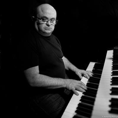 Santi Navalón (2015) in Jimmy Glass Jazz Club. Valencia.