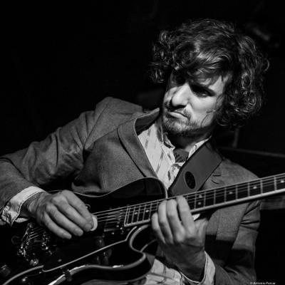 Taulant Mehmeti (2017) at Jimmy Glass Jazz Club. Valencia.