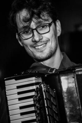 Vitor Gonçalves (2018) at Jimmy Glass Jazz Club. Valencia.