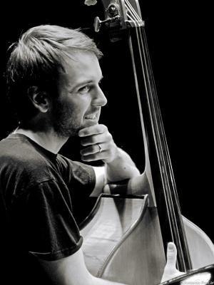 Warburton, Tom (2008)