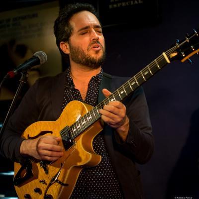 Yotam Silberstein (2018) at Jimmy Glass Jazz Club. Valencia.