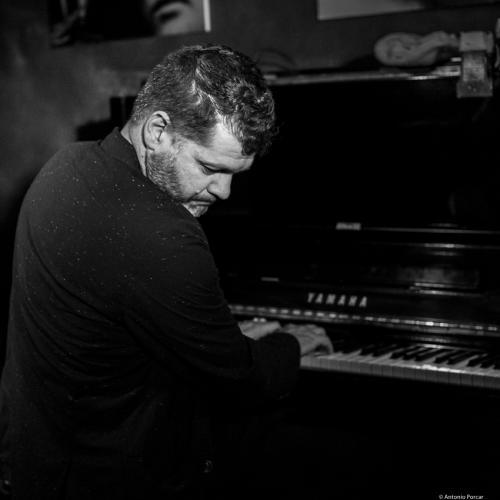 Lucian Ban (2016) in Jimmy Glass Jazz Club. Valencia