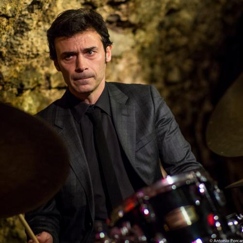 Stéphane Chandelier (2015). Caveau des Légendes. Paris.