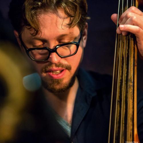 Josh Ginsburg (2017) at Jimmy Glass Jazz Club. Valencia.