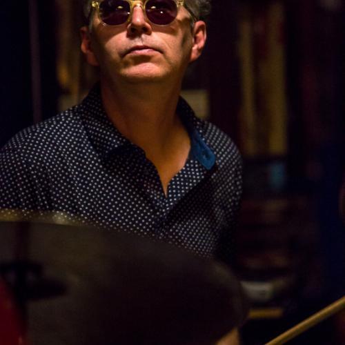 Kenny Wollesen (2017) in Jimmy Glass Jazz Club. Valencia.