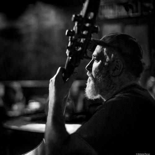 Paul Nowinski at Arturo's Coal Oven. NYC, 2018.