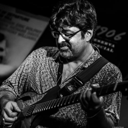 Rez Abbasi (2018) at Jimmy Glass Jazz Club. Valencia.